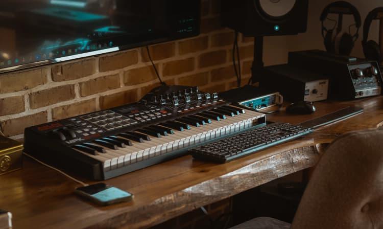 Popraw akustykę w swoim mieszkaniu - zainwestuj w panele akustyczne
